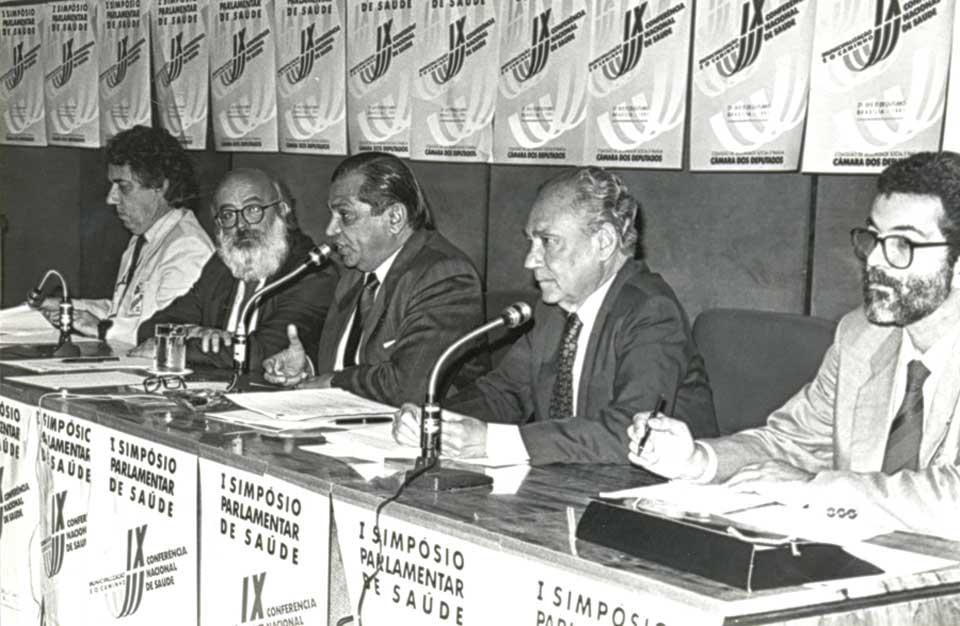 Mesa de abertura da 9ª Conferência que foi realizada em Brasília. Acervo: Revista Radis - Comunicação em Saúde/ENSP/Fiocruz